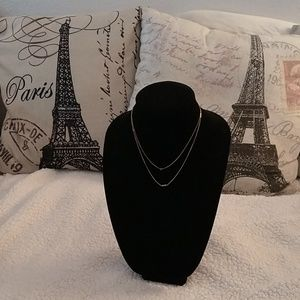 Two beautiful shocking necklace for a woman very n